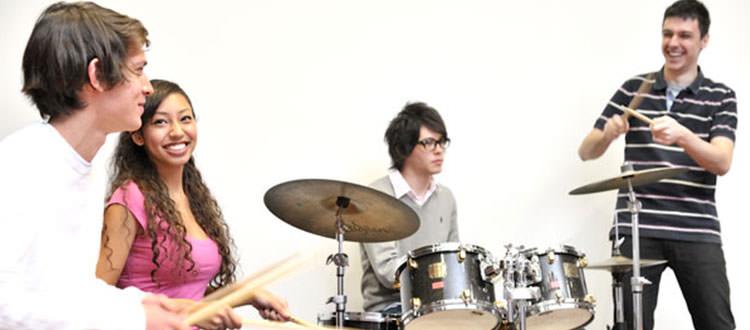 Clase-de-Bateria-YamahaMusicSchool-Malaga