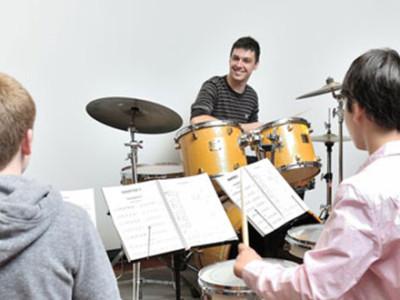 clases-de-bateria-escuela-de-musica-organigrama-malaga