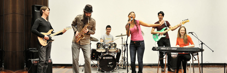 Escuela organigrama tu escuela de m sica m laga for Yamaha music school los angeles
